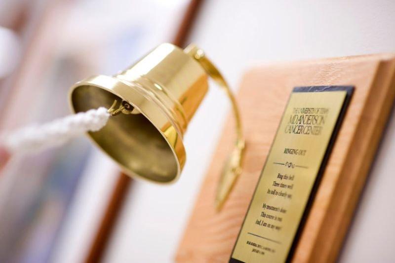 Dzwon Zwycięzcy – wzruszająca ceremonia na zakończenie leczenia